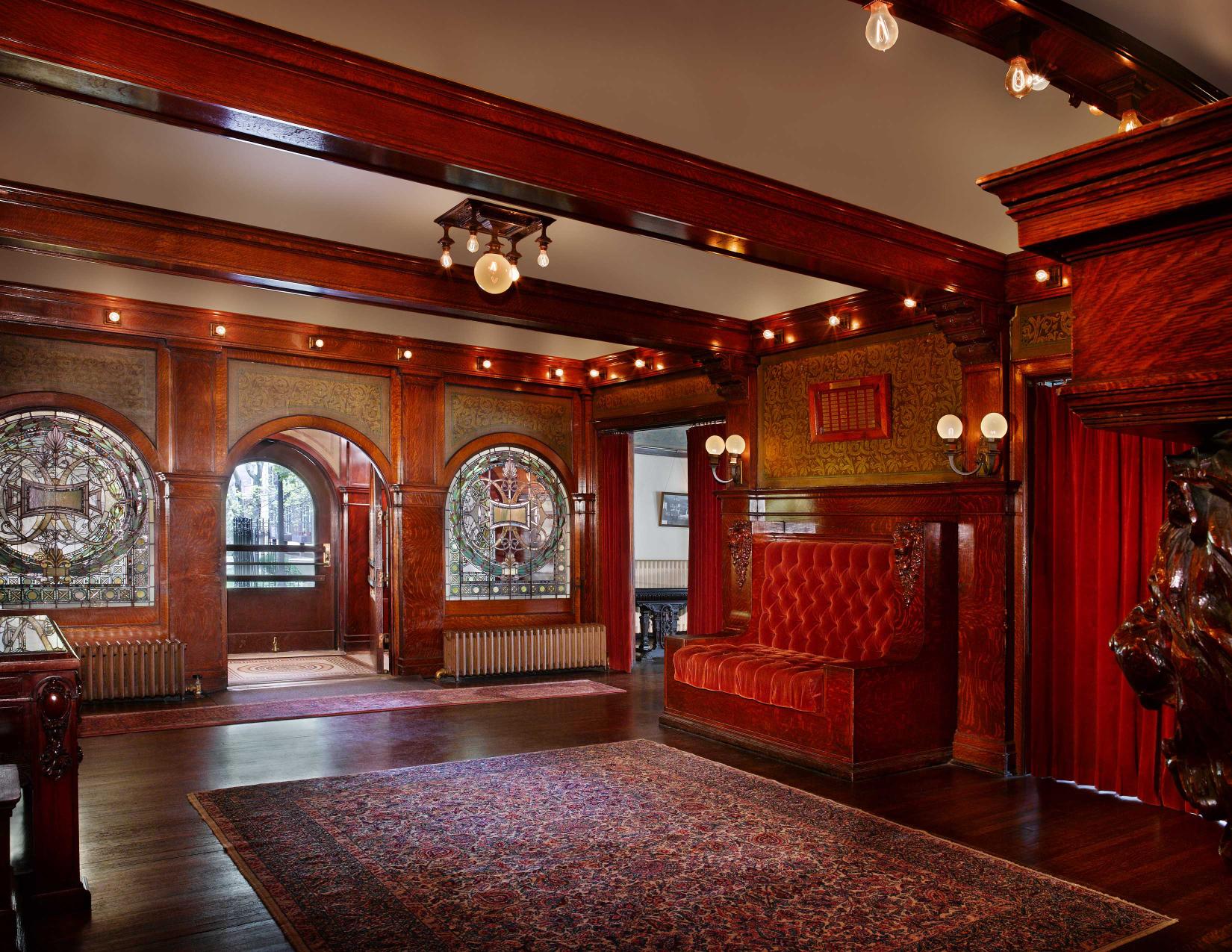 Pleasant Home Foyer